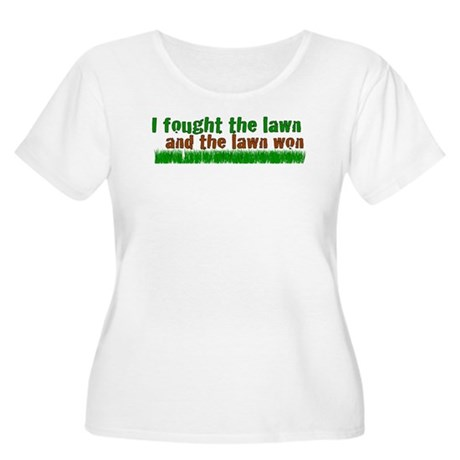 I fought the lawn Women's Plus Size Scoop Neck T-S