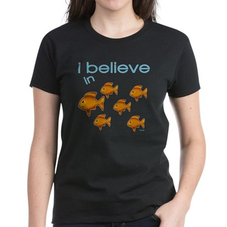 I believe in fish Women's Dark T-Shirt