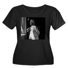 mark twain Plus Size T-Shirt