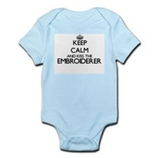 Keep calm and kiss the Embroiderer Body Suit