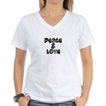 Peace & love Women's V-Neck T-Shirt