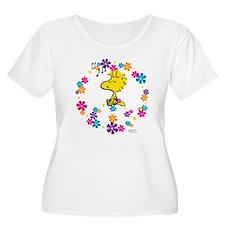 Woodstock Pea Women's Plus Size Scoop Neck T-Shirt