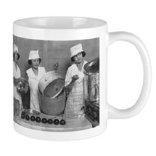 KITCHEN GIRLS coffee cup