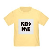 Kiss Me toddler T-Shirt