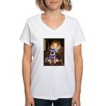 The Queen & Sir Pug Women's V-Neck T-Shirt