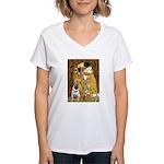 The Kiss / Pug Women's V-Neck T-Shirt