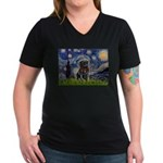 Starry Night / Black Pug Women's V-Neck Dark T-Shi