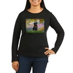 Garden / Black Pug Women's Long Sleeve Dark T-Shir