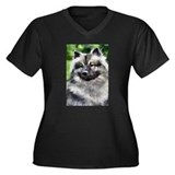 Keeshond Art Gifts Women's Plus Size V-Neck Dark T