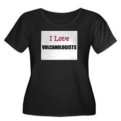 I Love VOLCANOLOGISTS Women's Plus Size Scoop Neck