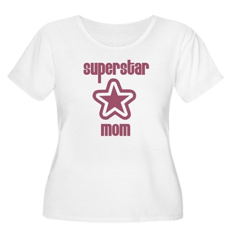 Superstar Mom Women's Plus Size Scoop Neck T-Shirt