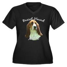 Basset Mom2 Women's Plus Size V-Neck Dark T-Shirt