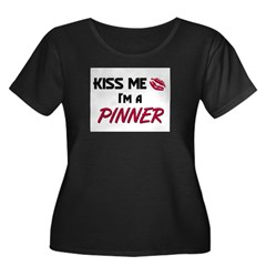 Kiss Me I'm a PINNER Women's Plus Size Scoop Neck