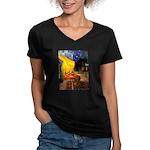 Cafe /Dachshund Women's V-Neck Dark T-Shirt