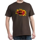 Zinnia bee  T-Shirt