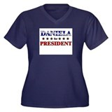 DANIELA for president Women's Plus Size V-Neck Dar