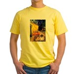Cafe /Pekingese (r) Yellow T-Shirt