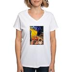 Cafe /Pekingese (r) Women's V-Neck T-Shirt