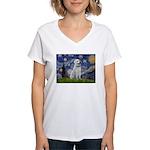 Starry-AnatolianShep1 Women's V-Neck T-Shirt