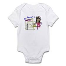 Cute Mommy is a nurse Infant Bodysuit