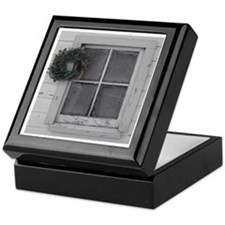 wreathedWindow Keepsake Box