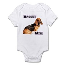 Basset Mom4 Infant Bodysuit