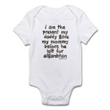 present daddy gave my mommy ( Infant Bodysuit