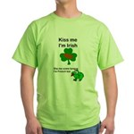 KISS ME IM IRISH, FROG WITH TONGUE Green T-Shirt
