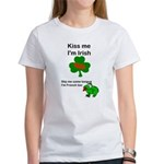KISS ME IM IRISH, FROG WITH TONGUE Women's T-Shirt