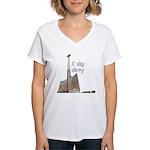 I dig dirty Women's V-Neck T-Shirt