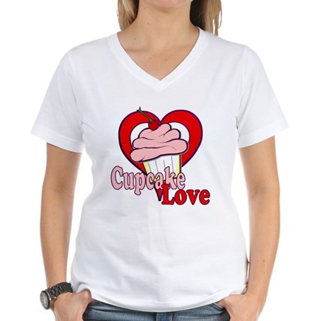 Cupcake Love Women's V-Neck T-Shirt