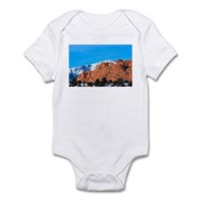 Kissing Camels Love Infant Bodysuit
