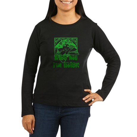 Kiss Me Irish Girl Women's Long Sleeve Dark T-Shir