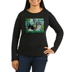 Bridge / 2 Pomeranians Women's Long Sleeve Dark T-