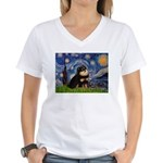 Starry Night / Pomeranian(b&t) Women's V-Neck T-Sh
