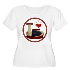 Cat #13 Women's Plus Size Scoop Neck T-Shirt
