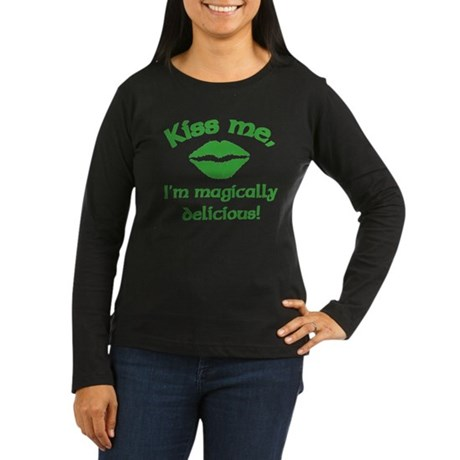 Kiss me Women's Long Sleeve Dark T-Shirt