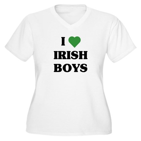 I Love Irish Boys Women's Plus Size V-Neck T-Shirt