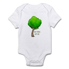 HUG TREES, NOT ME Infant Bodysuit