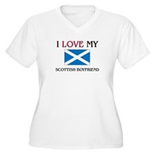 I Love My Scottish Boyfriend T-Shirt
