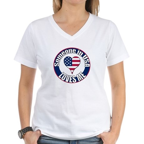USA Love Women's V-Neck T-Shirt