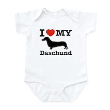 I love my Daschund Infant Bodysuit