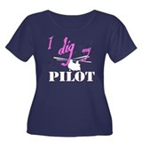 I Dig My Chinook Pilot Women's Plus Size Scoop Nec