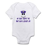 MY AUNT Infant Bodysuit