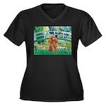 Lily Pond Bridge/Poodle (apri Women's Plus Size V-