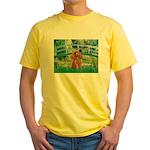 Lily Pond Bridge/Poodle (apri Yellow T-Shirt