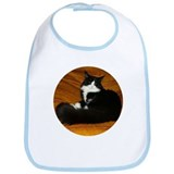 Snug B&W Maine Coon Cat Bib