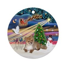 Xmas Magic - Pomeranian Pup Ornament (Round)