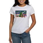 XmasMagic/2 Weimaraners Women's T-Shirt