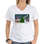 Xmas Magic & Akita Women's V-Neck T-Shirt